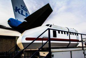 Simulator-buiten-entree-Aviodrome-Lelystad