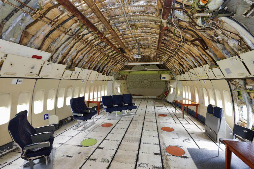 binnenkant vliegtuig aviodrome lelystad airport