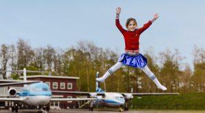 Aviodrome-Springen-Meisje